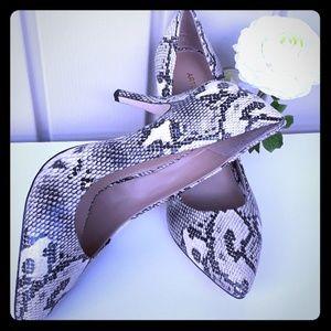 Arturo Chiang shoes snake skin like size 10
